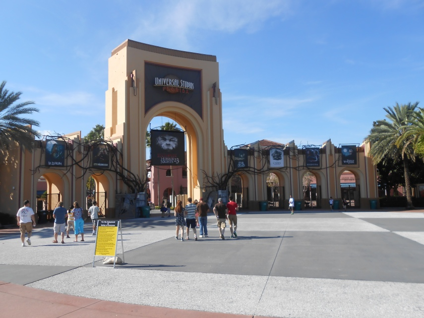 Halloween Horror Nights 23 Entrance Gate